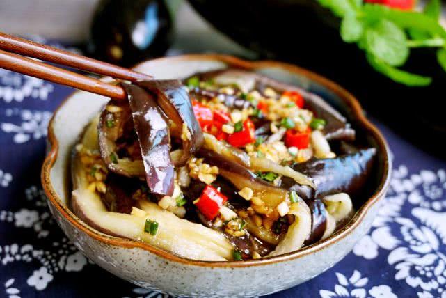 作為茄子控,這六種做法掌握了,一周吃不膩,手把手教你烹制竅門